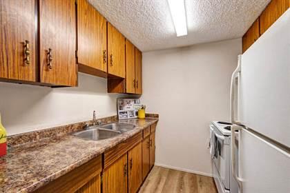 Apartment for rent in 890 Lakewood Road North NW, Edmonton, Alberta, T6K 3Y2