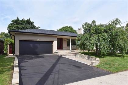 Residential Property for sale in 136 Princess Margaret Blvd, Toronto, Ontario, M9B2Z5