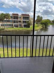 Condo for rent in 150 Lakeview Dr 204, Weston, FL, 33326