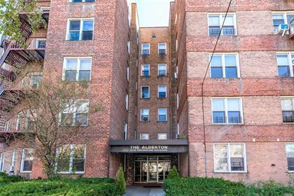 Residential Property for sale in 7445 Yellowstone Boulevard 3J, Rego Park, NY, 11374