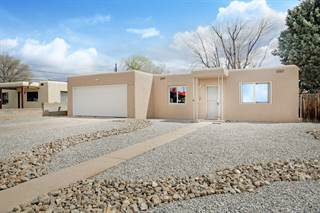 Single Family en venta en 2442 VALENCIA Drive NE, Albuquerque, NM, 87110