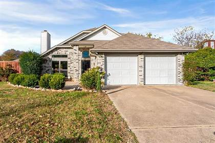 Residential for sale in 6406 Mercedes Drive, Arlington, TX, 76001