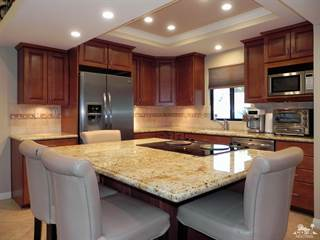 Condo for sale in 40502 Bay Hill Way 2410, Palm Desert, CA, 92211