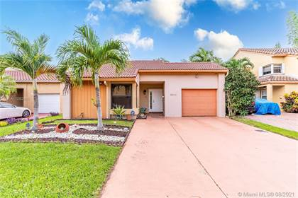 Residential for sale in 9932 SW 147th Pl, Miami, FL, 33196
