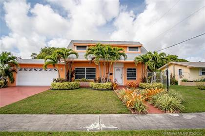 Residential for sale in 17880 SW 112th Ct, Miami, FL, 33157