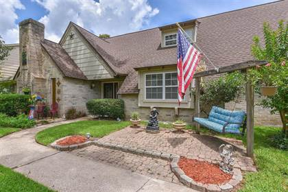 Residential for sale in 4906 Christopher Place, Houston, TX, 77066