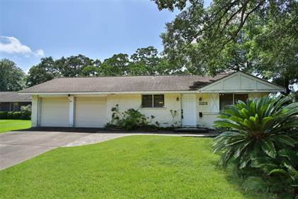 Residential for sale in 1915 Ramada Drive, Houston, TX, 77062