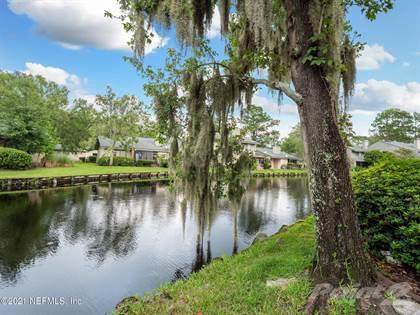 Condo/Townhome en venta en 7701 BAYMEADOWS CIR, Jacksonville, FL, 32256