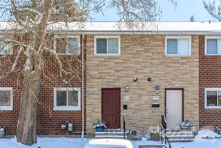 Townhouse for sale in 647 Griffith Street, London, Ontario