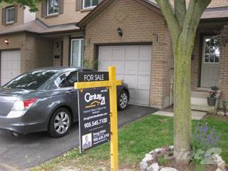 Townhouse for sale in 618 Barton Street, Hamilton, Ontario
