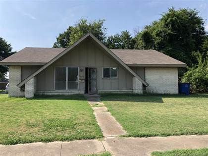 Residential Property for sale in 8205 E 38th Street, Tulsa, OK, 74145