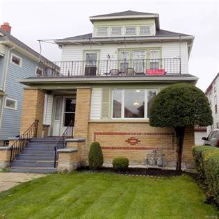 Multifamily for sale in 64 Commonwealth Avenue, Buffalo, NY, 14216