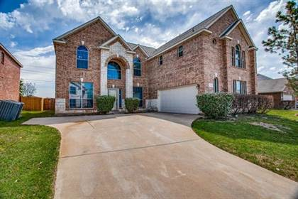 Residential for sale in 7721 Decoy Drive, Arlington, TX, 76002