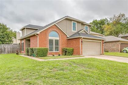 Residential for sale in 5308 Manhassett Drive, Arlington, TX, 76018