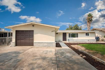 Residential for sale in 1215 E Drummond Avenue, Fresno, CA, 93706