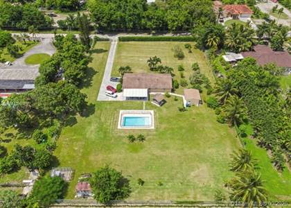 Residential for sale in 18350 SW 202nd St, Miami, FL, 33187