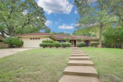 Residential for sale in 4409 Willow Bend Drive, Arlington, TX, 76017