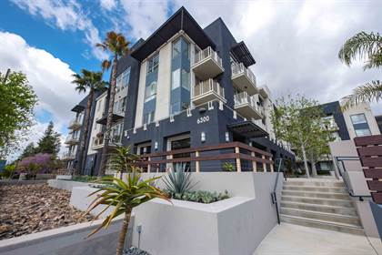 Apartment for rent in 6300 Variel Ave, Woodland Hills, CA, 91367