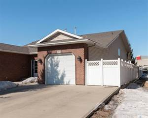 Duplex for sale in 11 Columbia DRIVE, Saskatoon, Saskatchewan, S7K 1E3