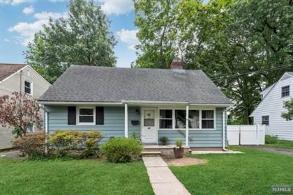 Residential Property for sale in 38 Day Avenue, Bergenfield, NJ, 07621