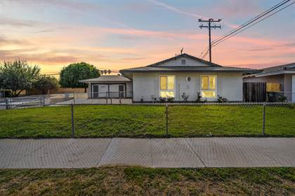 Residential for sale in 2731 Trinity Place, Oxnard, CA, 93033