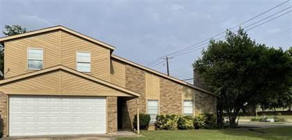 Residential for sale in 701 Matthews Court, Arlington, TX, 76012