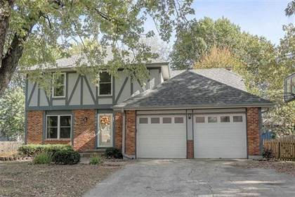 Residential Property for sale in 1908 S Parkwood Drive, Olathe, KS, 66062