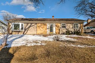 Photo of 675 Woodlawn Street, Hoffman Estates, IL