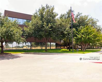 Office Space for rent in 524 East Lamar Blvd, Arlington, TX, 76011