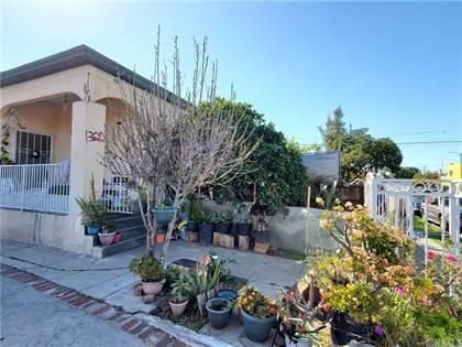 Multifamily for sale in 1320 E 41st Place, Los Angeles, CA, 90011