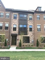 Townhouse for sale in 13610 AIR AND SPACE MUSEUM PARKWAY, Herndon, VA, 20171