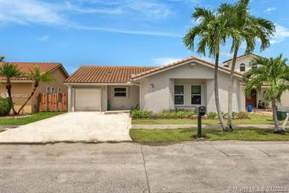 Residential for sale in 10841 SW 144th Ave, Miami, FL, 33186