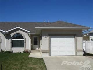 Townhouse for sale in 721 11th STREET, Humboldt, Saskatchewan
