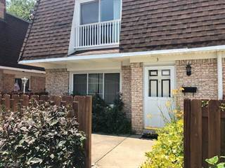 Townhouse for sale in 6480 State Rd F3, Parma, OH, 44134