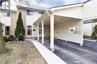 Condo for sale in 801 OSGOODE DRIVE  8, London, Ontario, N6E2G8