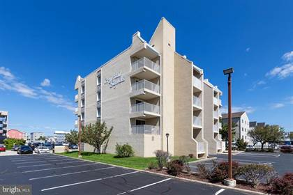 Condominium for sale in 15 145TH ST #102, Ocean City, MD, 21842